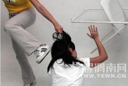 猖狂!白水3女生抢劫男子校园闯入一暴力20余名她你蜜班级的闺当男让图片
